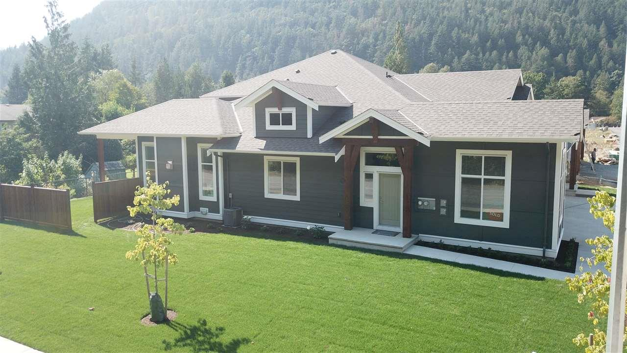 6 628 MCCOMBS DRIVE, harrison hot springs, British Columbia